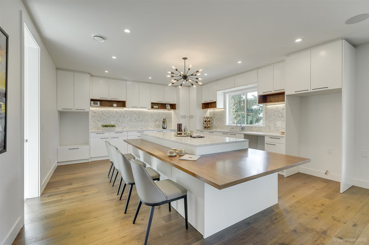 Photo 9: Photos: 850 PORTER Street in Coquitlam: Harbour Chines House for sale : MLS®# R2421865