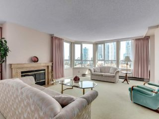 "Photo 6: 901 6152 KATHLEEN Avenue in Burnaby: Metrotown Condo for sale in ""THE EMBASSY"" (Burnaby South)  : MLS®# R2568817"