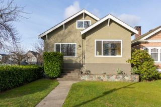 Photo 2: 2203 E 2ND AVENUE in Vancouver: Grandview VE House for sale (Vancouver East)  : MLS®# R2240985