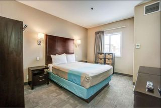 Photo 1: : Red Deer Hotel/Motel for sale : MLS®# A1099697