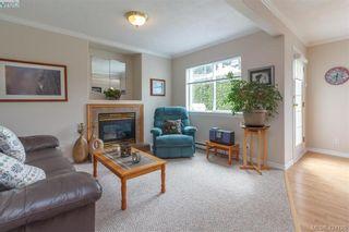 Photo 3: A 583 Tena Pl in VICTORIA: Co Wishart North Half Duplex for sale (Colwood)  : MLS®# 837604