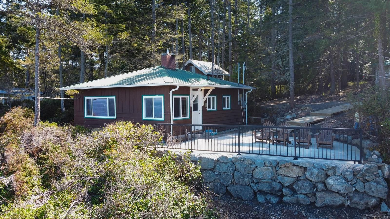 Main Photo: 570 Berry Point Rd in : Isl Gabriola Island House for sale (Islands)  : MLS®# 878402