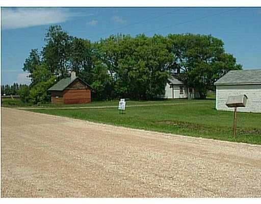 Main Photo: 2 WILLOWDALE Road in OAKBANK: Anola / Dugald / Hazelridge / Oakbank / Vivian Residential for sale (Winnipeg area)  : MLS®# 2409149