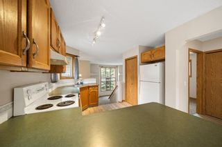 Photo 10: 33 Country Hills Drive NW in Calgary: Country Hills Detached for sale : MLS®# A1140748