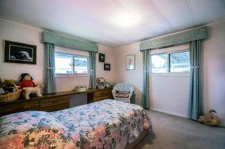 "Photo 19: 2176 CUMBRIA Drive in Surrey: King George Corridor Manufactured Home for sale in ""Cranley Place"" (South Surrey White Rock)  : MLS®# R2150263"