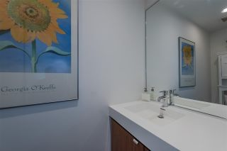 """Photo 12: 801 33 W PENDER Street in Vancouver: Downtown VW Condo for sale in """"33 Living"""" (Vancouver West)  : MLS®# R2373850"""