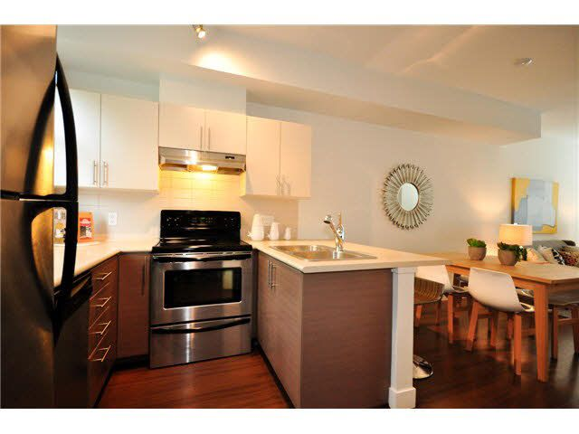 """Photo 5: Photos: 207 5568 KINGS Road in Vancouver: University VW Townhouse for sale in """"GALLERIA"""" (Vancouver West)  : MLS®# V1087874"""
