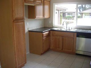 Photo 4: LAKE SAN MARCOS House for sale : 2 bedrooms : 1118 Calle De Los Serranos in San Marcos