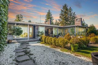 Photo 2: 5029 Wesley Rd in Saanich: SE Cordova Bay House for sale (Saanich East)  : MLS®# 837949