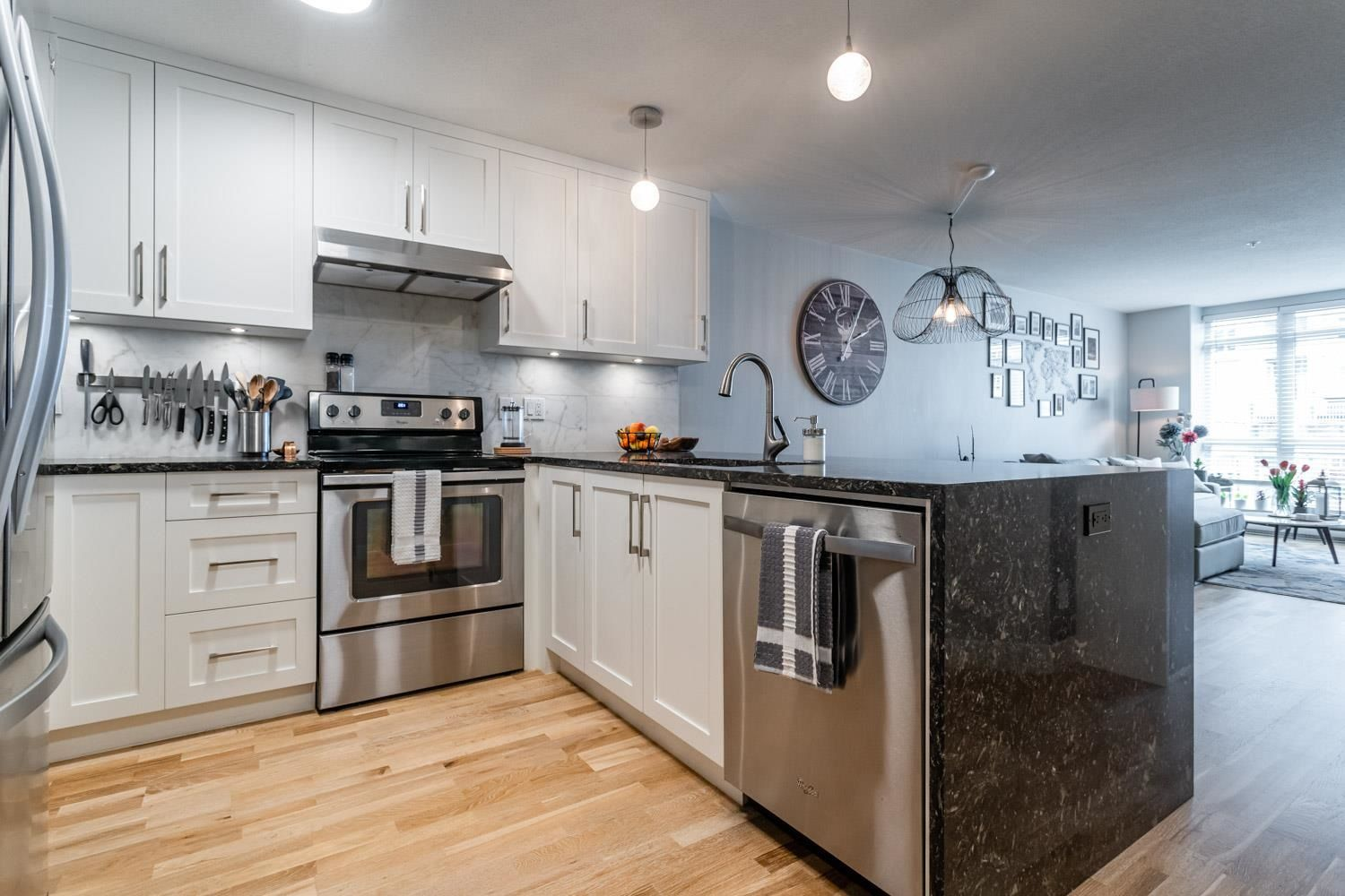 """Main Photo: 206 3142 ST JOHNS Street in Port Moody: Port Moody Centre Condo for sale in """"SONRISA"""" : MLS®# R2602260"""
