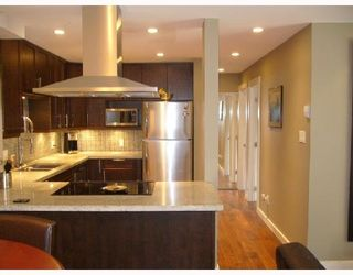 """Photo 13: 112 1424 WALNUT Street in Vancouver: Kitsilano Condo for sale in """"WALNUT PLACE"""" (Vancouver West)  : MLS®# V707285"""
