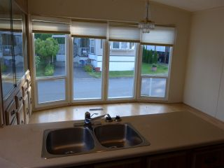 """Photo 10: 29 2120 KING GEORGE Boulevard in Surrey: King George Corridor Manufactured Home for sale in """"Five Oaks Park"""" (South Surrey White Rock)  : MLS®# R2485760"""