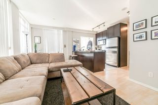"""Photo 2: 706 1001 HOMER Street in Vancouver: Yaletown Condo for sale in """"BENTLEY"""" (Vancouver West)  : MLS®# R2219801"""