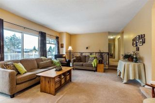 Photo 3: 9189 APPLEHILL Crescent in Surrey: Queen Mary Park Surrey House for sale : MLS®# R2621873