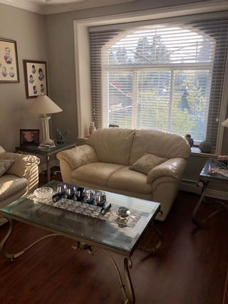 """Photo 2: 10304 132 Street in Surrey: Whalley House for sale in """"City Centre"""" (North Surrey)  : MLS®# R2451954"""