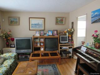 Photo 3: 687 Atlantic Avenue in Winnipeg: North End Residential for sale (North West Winnipeg)  : MLS®# 1606568