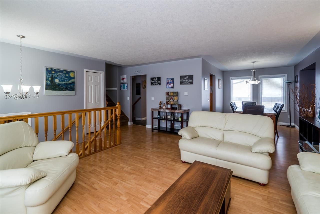 """Photo 5: Photos: 6968 O'GRADY Road in Prince George: St. Lawrence Heights House for sale in """"ST. LAWRENCE HTS/SOUTHRIDGE"""" (PG City South (Zone 74))  : MLS®# R2138337"""