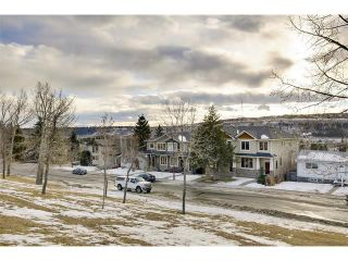 Photo 2: 4817 23 Avenue NW in Calgary: Montgomery House for sale : MLS®# C4096273