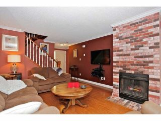 """Photo 4: 2 9988 149TH Street in Surrey: Guildford Townhouse for sale in """"Tall Timbers"""" (North Surrey)  : MLS®# F1426430"""