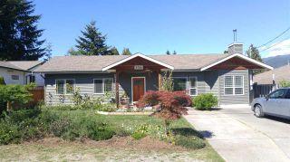 Photo 1: 5756 NEPTUNE Road in Sechelt: Sechelt District House for sale (Sunshine Coast)  : MLS®# R2491794