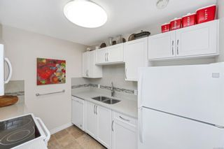 Photo 10: 215 10110 Fifth St in : Si Sidney North-East Condo for sale (Sidney)  : MLS®# 880325