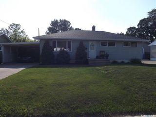 Photo 1: 1817 Pettigrew Road in Estevan: Pleasantdale Residential for sale : MLS®# SK863745