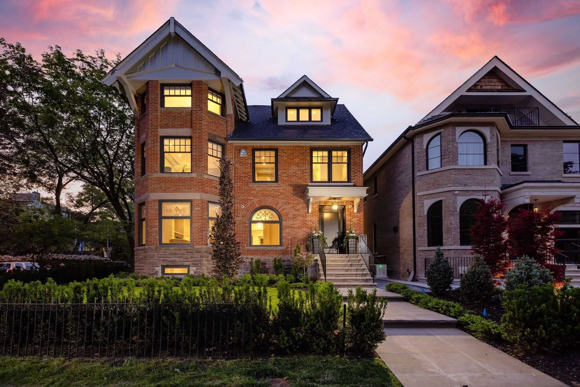 Main Photo: 70 Lowther Avenue in Toronto: Annex House (3-Storey) for sale (Toronto C02)  : MLS®# C5365768