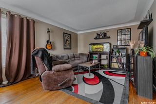Photo 6: 325 Witney Avenue South in Saskatoon: Meadowgreen Residential for sale : MLS®# SK842561