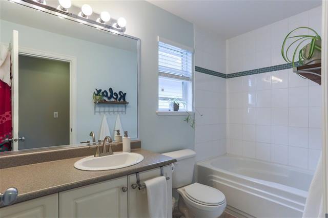 Photo 11: Photos: 16627 59A Avenue in Surrey: Cloverdale BC House for sale (Cloverdale)  : MLS®# R2287979