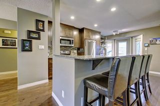 Photo 4: 6627 COACH HILL Road SW in Calgary: Coach Hill Detached for sale : MLS®# C4245453