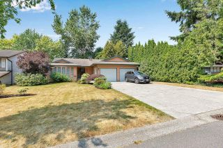 """Photo 33: 6235 171 Street in Surrey: Cloverdale BC House for sale in """"WEST CLOVERDALE"""" (Cloverdale)  : MLS®# R2598284"""