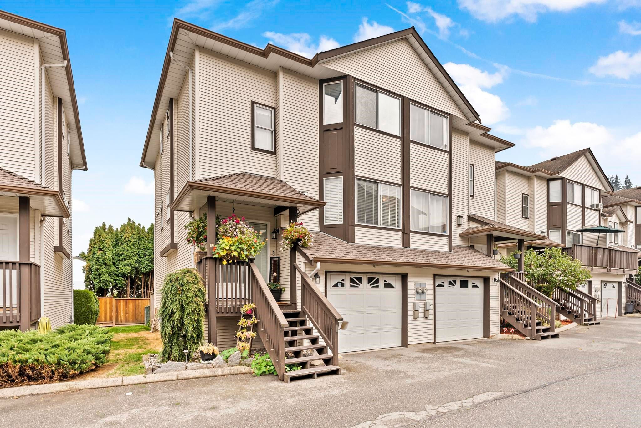 Main Photo: 42 45740 THOMAS Road in Chilliwack: Vedder S Watson-Promontory Townhouse for sale (Sardis)  : MLS®# R2615213
