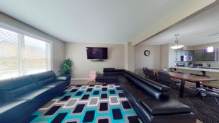 Photo 4: 2829 MAPLE Way in Edmonton: Zone 30 Attached Home for sale : MLS®# E4264154