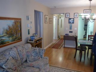 """Photo 10: 302 1341 GEORGE Street: White Rock Condo for sale in """"Ocean  View"""" (South Surrey White Rock)  : MLS®# R2429282"""