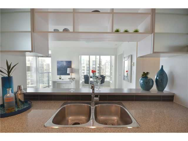 Photo 4: Photos: 3110 928 BEATTY Street in Vancouver: Yaletown Condo for sale (Vancouver West)  : MLS®# V949425