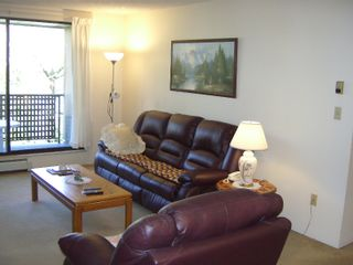"""Photo 11: 206 10698 151A Street in Surrey: Guildford Condo for sale in """"LINCOLN'S HILL"""" (North Surrey)  : MLS®# F1000089"""