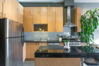 """Photo 4: 307 2635 PRINCE EDWARD Street in Vancouver: Mount Pleasant VE Condo for sale in """"SOMA Lofts"""" (Vancouver East)  : MLS®# R2539098"""