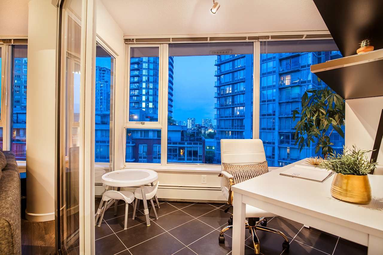 """Photo 8: Photos: 702 689 ABBOTT Street in Vancouver: Downtown VW Condo for sale in """"ESPANA"""" (Vancouver West)  : MLS®# R2352723"""