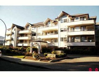 "Photo 1: 403 2526 LAKEVIEW Crescent in Abbotsford: Central Abbotsford Condo for sale in ""MILL SPRING MANNER"" : MLS®# F2716887"