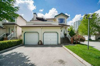 """Photo 39: 54 10038 150 Street in Surrey: Guildford Townhouse for sale in """"Mayfield Green"""" (North Surrey)  : MLS®# R2585108"""