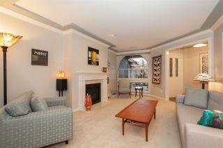 """Photo 3: 6167 W BOUNDARY Drive in Surrey: Panorama Ridge Townhouse for sale in """"LAKEWOOD GARDENS IN BOUNDARY PARK"""" : MLS®# R2133410"""