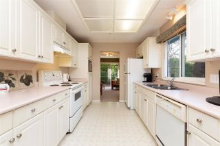 """Photo 7: 1 19270 122A Avenue in Pitt Meadows: Central Meadows Townhouse for sale in """"HERON COURT"""" : MLS®# R2433591"""