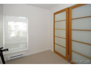 Photo 11: 212 68 Songhees Rd in VICTORIA: VW Songhees Condo for sale (Victoria West)  : MLS®# 499543