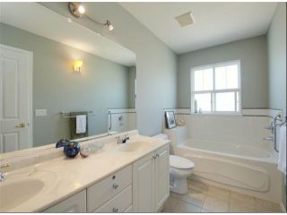 """Photo 14: 1 14877 33RD Avenue in Surrey: King George Corridor Townhouse for sale in """"SANDHURST"""" (South Surrey White Rock)  : MLS®# F1402947"""