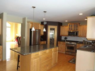 Photo 7: 19 Marksbridge Drive in WINNIPEG: River Heights / Tuxedo / Linden Woods Residential for sale (South Winnipeg)  : MLS®# 1509987