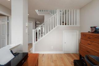 Photo 3: 2 1410 Walnut St in : Vi Fernwood Half Duplex for sale (Victoria)  : MLS®# 869322
