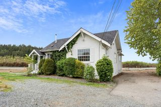 Photo 1: 9338 East Saanich Rd in : NS Airport House for sale (North Saanich)  : MLS®# 874306