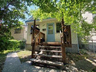 Photo 2: 824 Stella Avenue in Winnipeg: North End Residential for sale (4A)  : MLS®# 202112711
