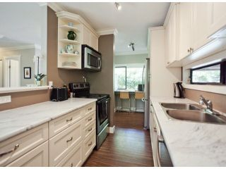 """Photo 5: 1807 LILAC Drive in Surrey: King George Corridor Townhouse for sale in """"ALDERWOOD PLACE"""" (South Surrey White Rock)  : MLS®# F1321889"""