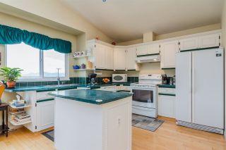 "Photo 4: 14719 WELLINGTON Drive in Surrey: Bolivar Heights House for sale in ""Bolivar Heights"" (North Surrey)  : MLS®# R2256470"